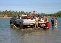 Flußüberfahrt auf der Kitesafari
